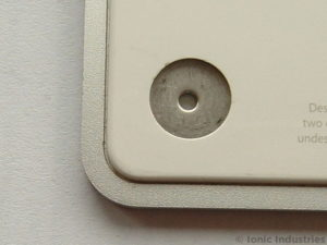 apple-trackpad-empty-foot-hole